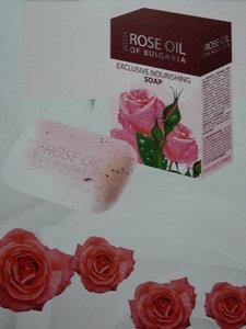 rose oil exclusieve voedende Zeep