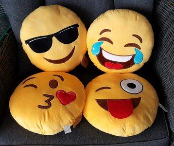 Emoji Emotion-Smiley kussen