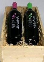 Griekse-wijn-in-houten-cadeau-kist